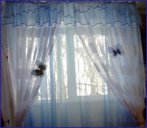 бело голубые шторы