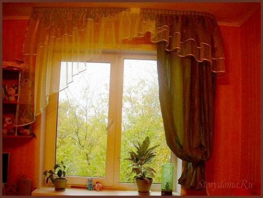 зеленый цвет штор в интерьере детской