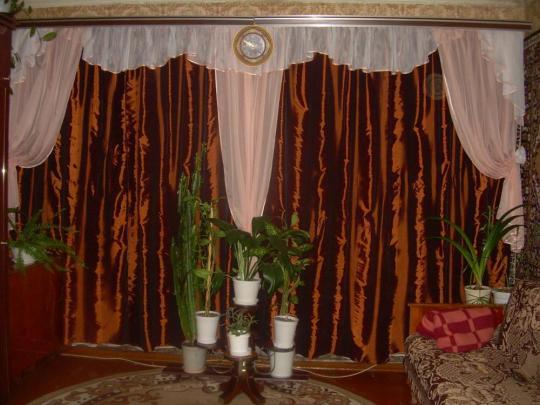 шторы в гостиную два окна