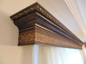 деревянный потолочный карниз